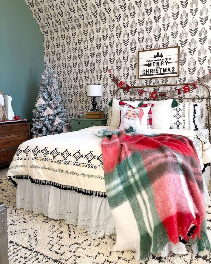 simple-Guest-Room..-3-675x844 50+ Guest Room Christmas Decorations – Can You Make It Before Christmas Arriving?