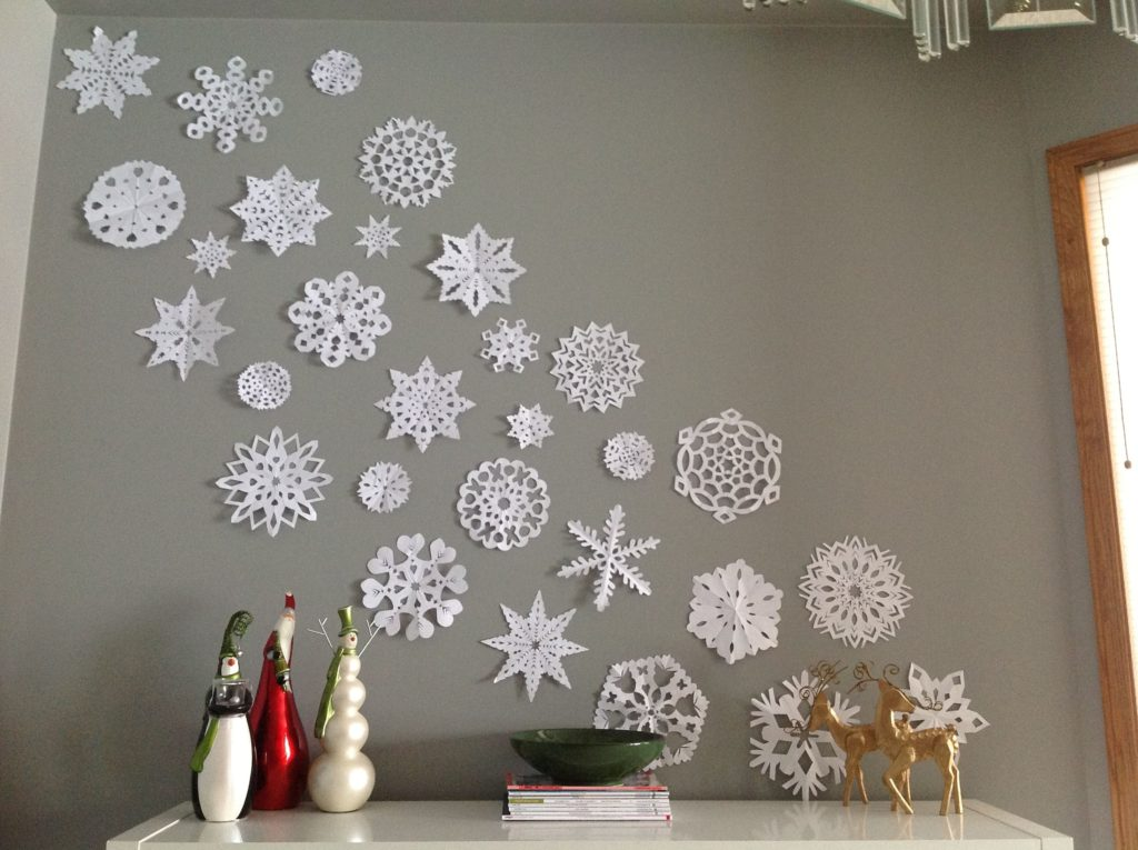 snowflakes..-1024x765 70+ Brilliant Ideas for This Year Christmas Decoration