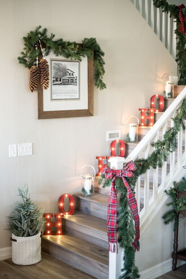 subtle-holiday-elements-1 70+ Brilliant Ideas for This Year Christmas Decoration