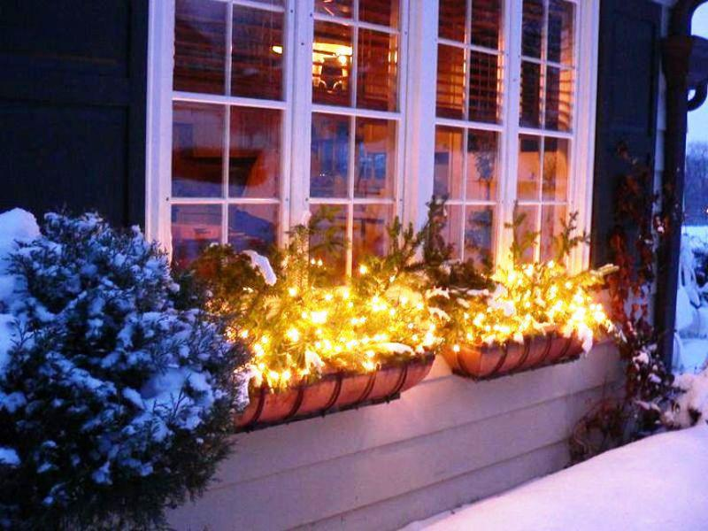 window-light-decoration... Let Your Outdoor Area Twinkle by This Year Christmas Lights Decorations