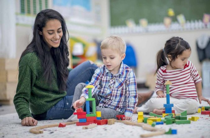 Babysitting-Babysitter-675x444 Best Side Jobs for Immigrants and International Students
