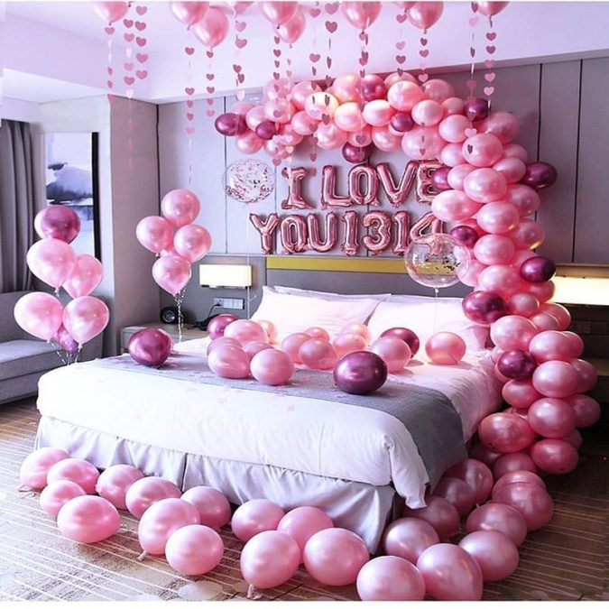 Bed-full-of-balloons..-1-675x675 70+ Hottest Marriage Anniversary Decoration Ideas at Home