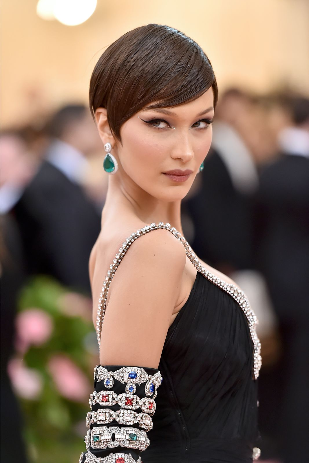 Bold-pixie-cut.-1 70+ Outdated Hairstyle Ideas Coming Back in 2021