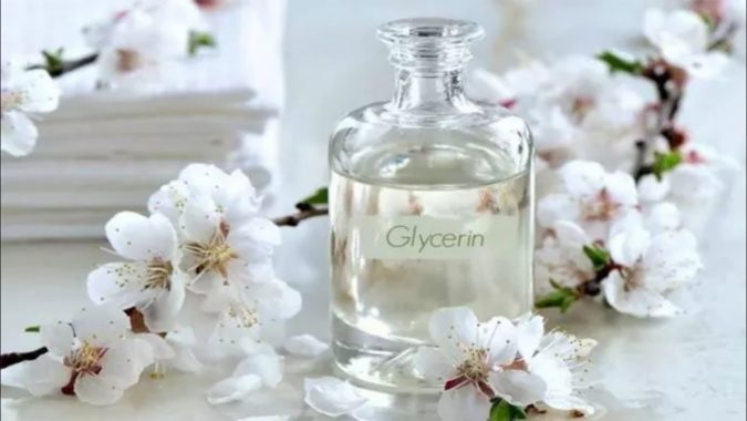 Glycerin-675x380 The Benefits of the Ingredients in Your Skincare