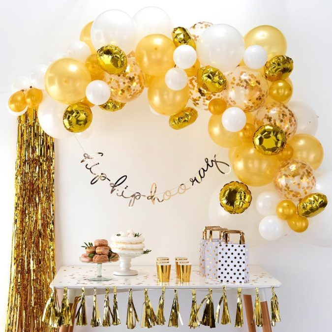 Gold-Balloon-Bouquet-2-675x675 70+ Hottest Marriage Anniversary Decoration Ideas at Home