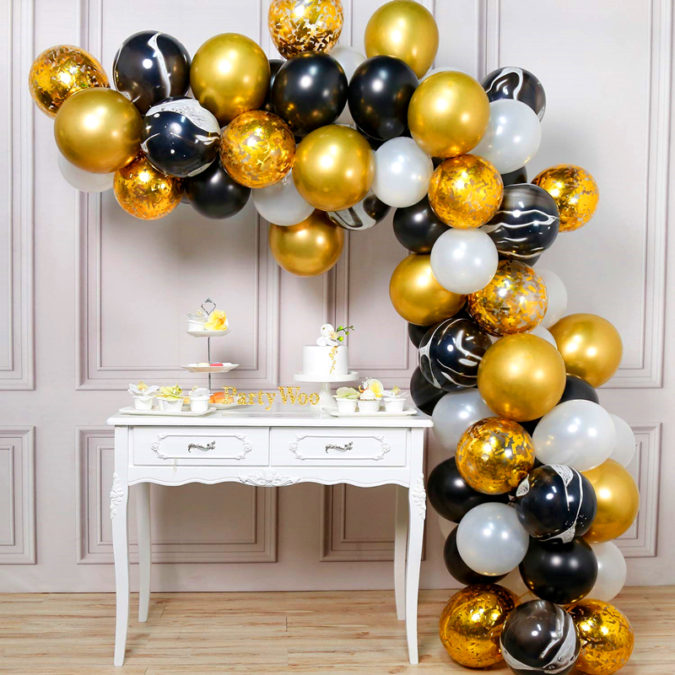 Gold-Balloon-Bouquet-3-675x675 70+ Hottest Marriage Anniversary Decoration Ideas at Home