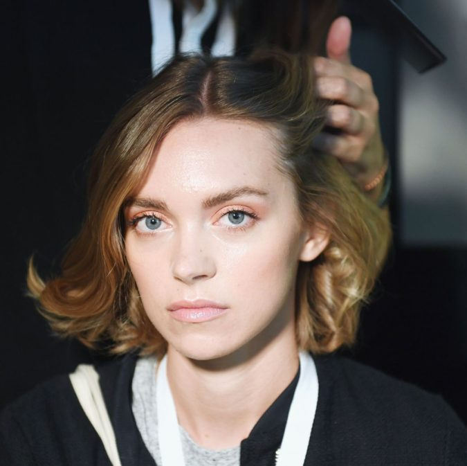 Having-on-one-same-hairstyle-for-years-675x673 Biggest 10 Fashion Mistakes Instantly Age You