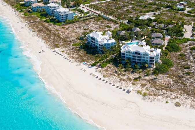 Point-Grace-Turks-and-Caicos-resort-675x450 Relax and Unwind at These Amazing Waterside Retreats