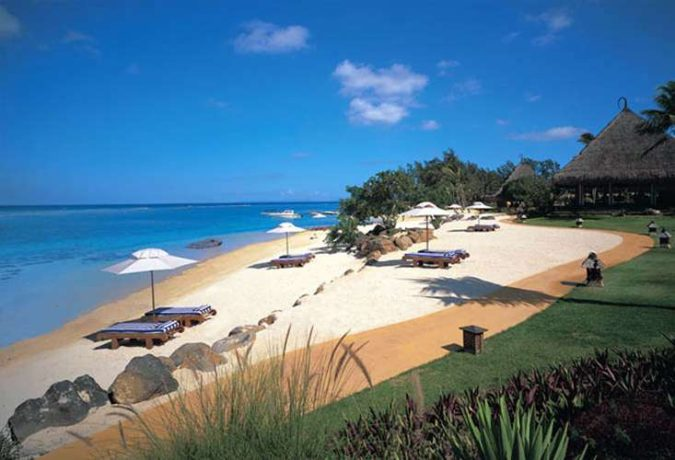 The-Oberoi-Beach-Resort-675x460 Relax and Unwind at These Amazing Waterside Retreats