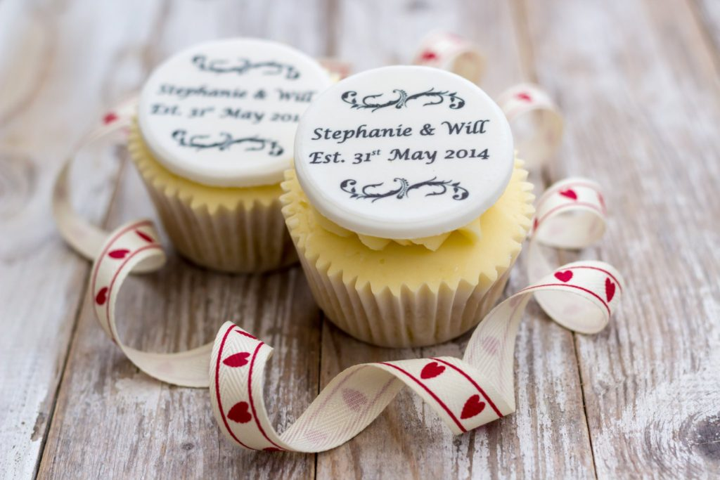 cupcake-toppers-1-1024x683 70+ Hottest Marriage Anniversary Decoration Ideas at Home
