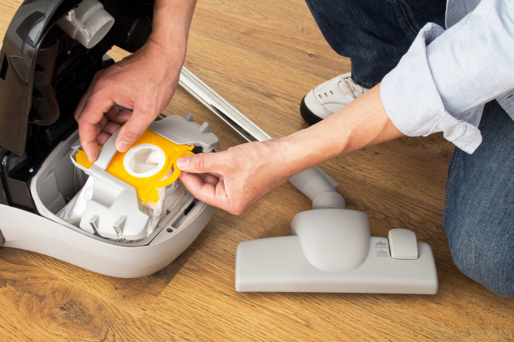 empty-out-your-vacuum-machine-1024x683 10 DIY Hacks to Get Rid of Pests in Your Garden Shed