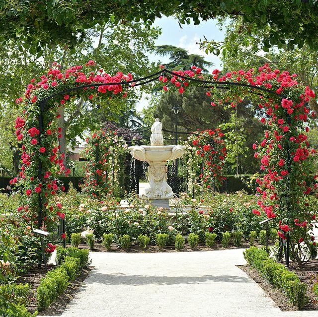 garden-ornaments 100+ Surprising Garden Design Ideas You Should Not Miss in 2021
