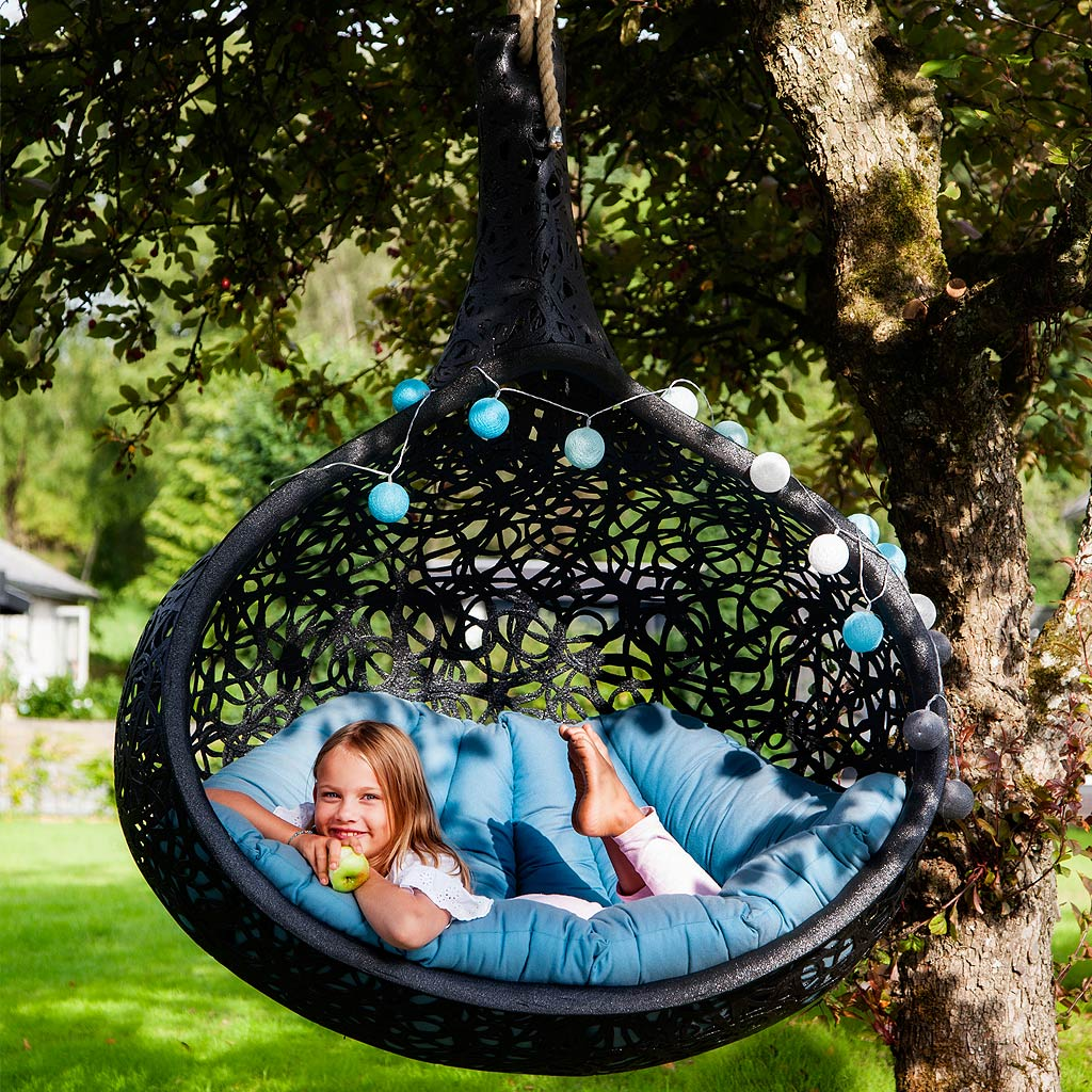 hanging-chair-2 100+ Surprising Garden Design Ideas You Should Not Miss in 2021