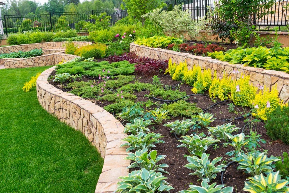 lawn-garden-1 100+ Surprising Garden Design Ideas You Should Not Miss in 2021