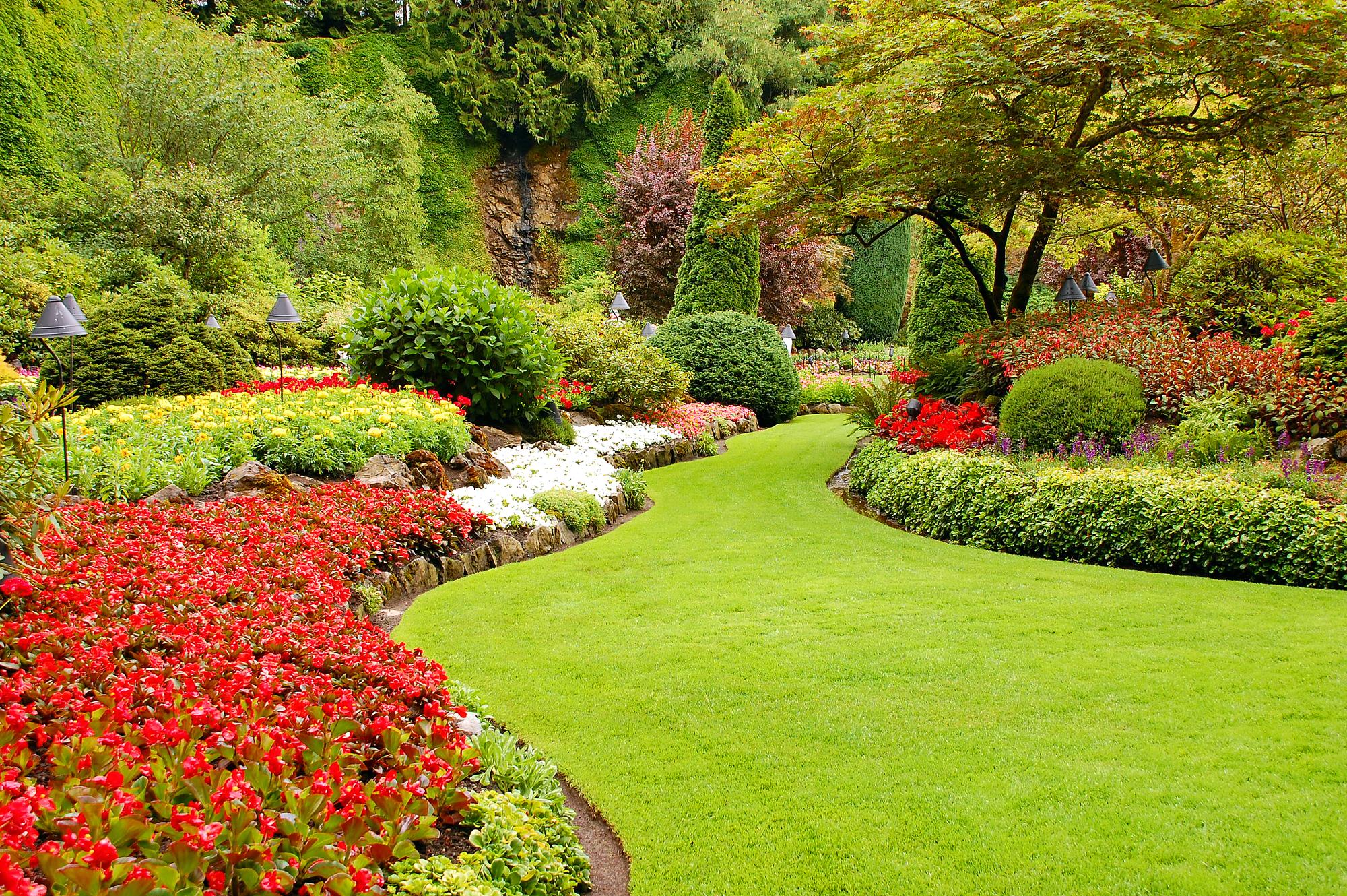 lawn-garden 100+ Surprising Garden Design Ideas You Should Not Miss in 2021