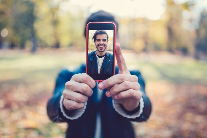 mobile-taking-picture-675x450 How to Protect Yourself When Dating