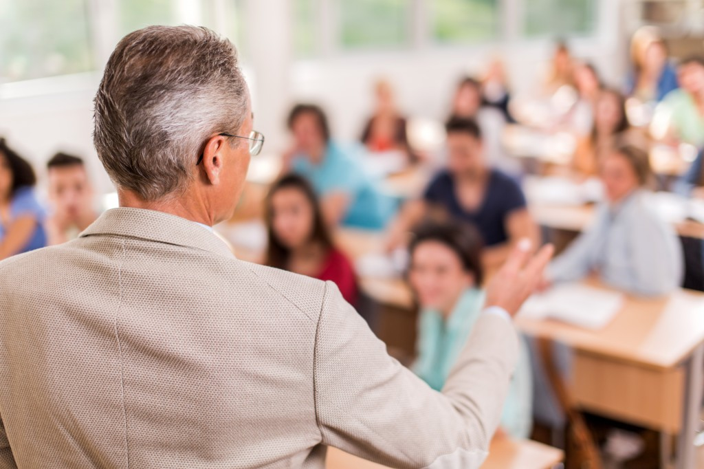 professor-and-students-in-lecture-2 14 Ways to Improve Your Grades if You're Underperforming