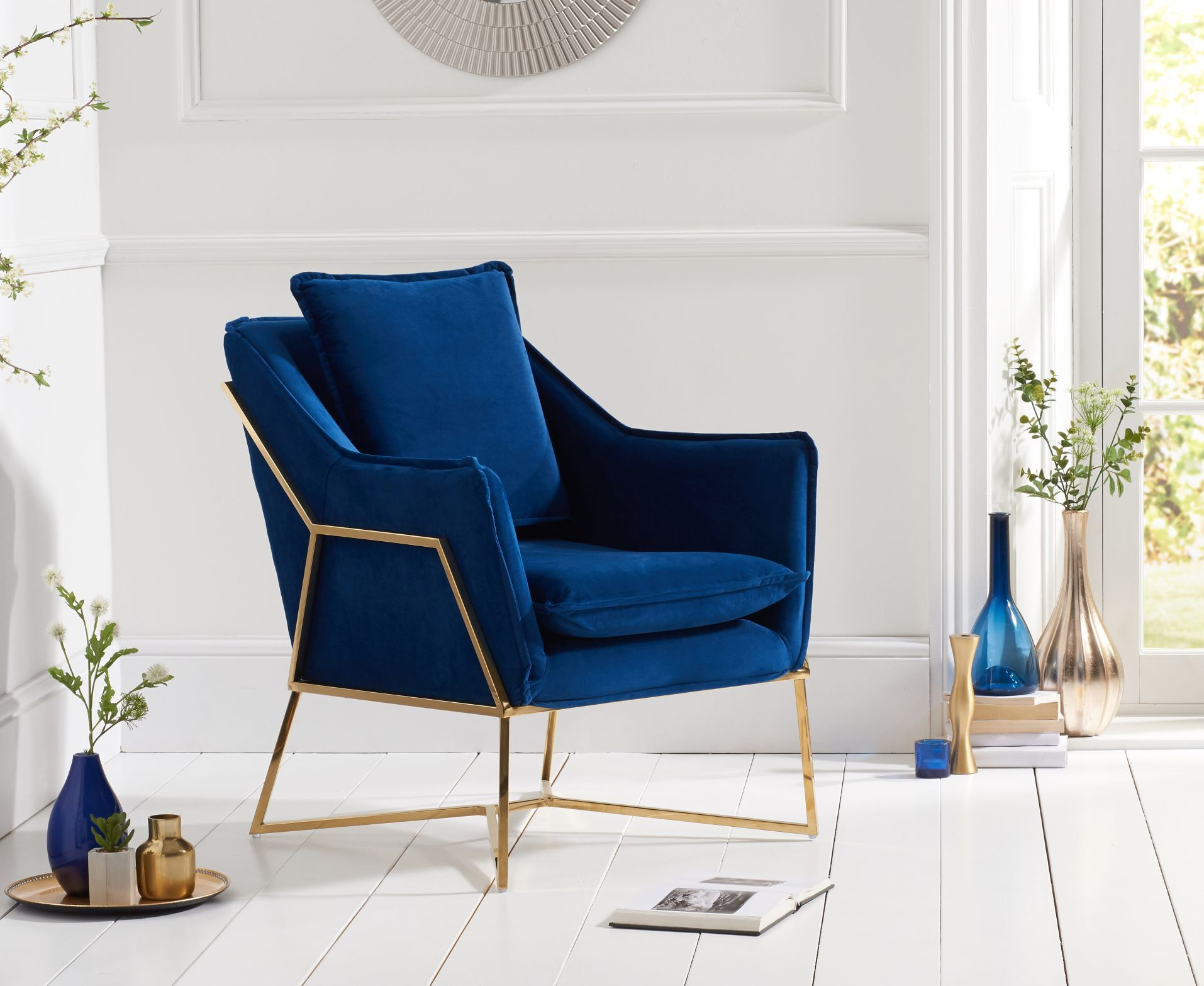 Accent-chair.-4 +110 Unique Living Room Furniture Pieces That Amaze Everyone