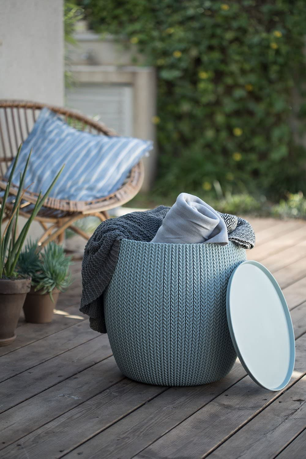 Keter-Urban-Knit-2 15 Unique Furniture Designs for Outdoor Small Spaces