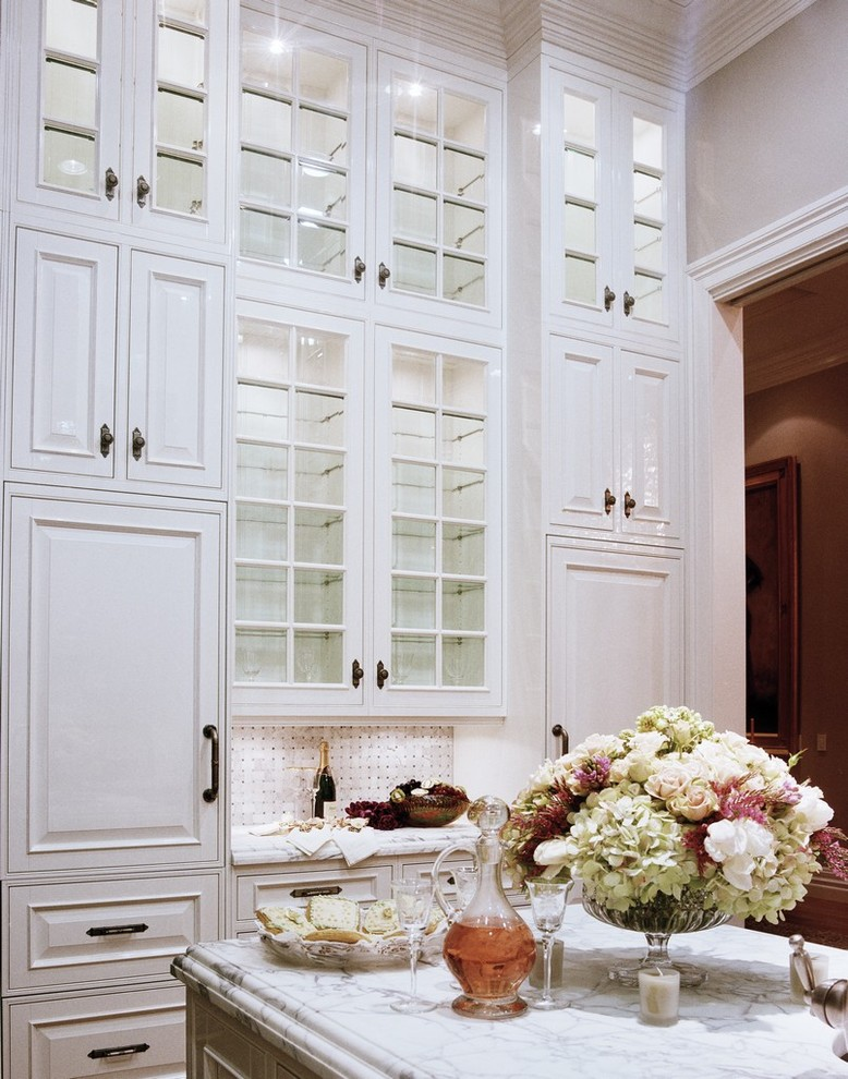 ceiling-height-cabinets-1 80+ Unusual Kitchen Design Ideas for Small Spaces in 2021
