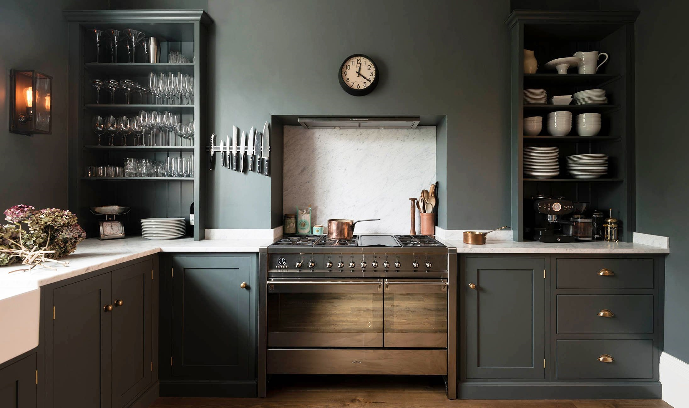 dark-paints-3 80+ Unusual Kitchen Design Ideas for Small Spaces in 2021