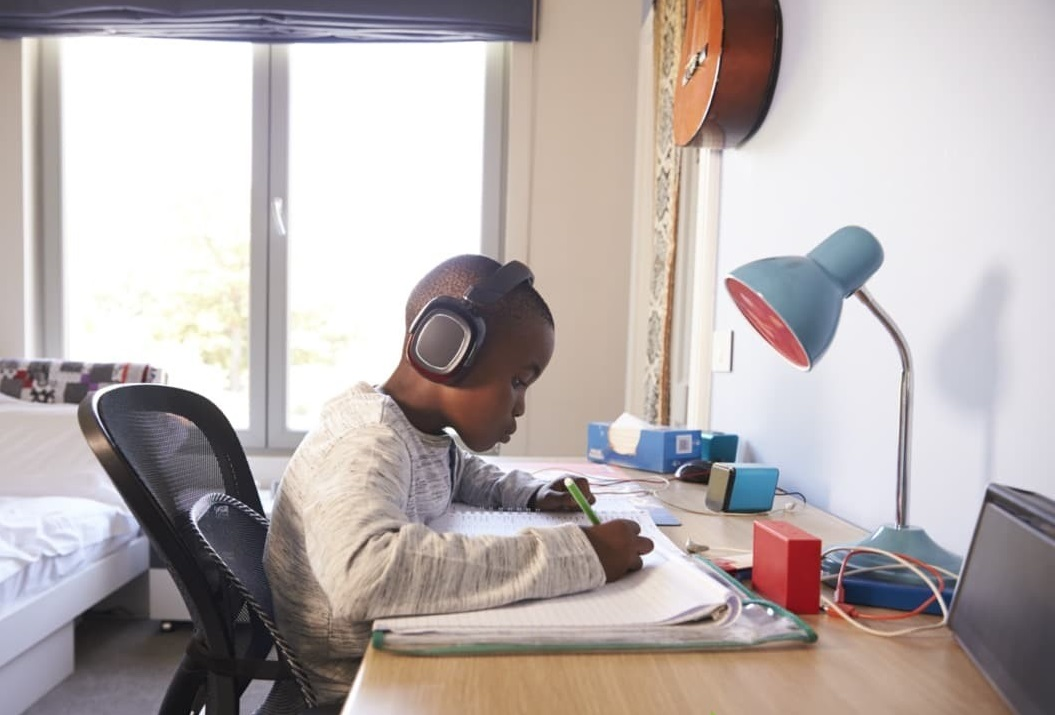student-study-light. 10 Tips to Design the Study Space Perfectly