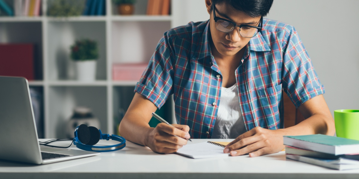 student-study 10 Tips to Design the Study Space Perfectly