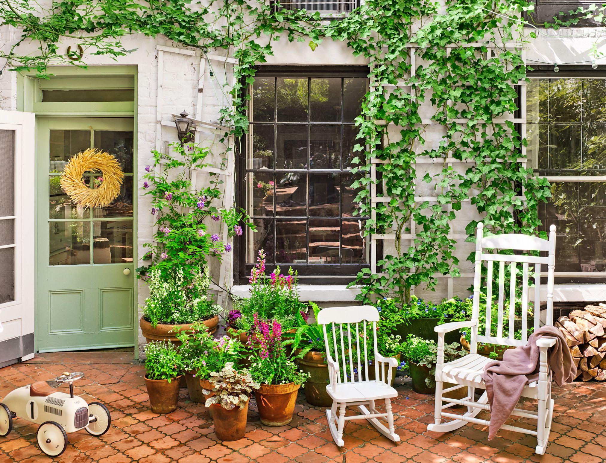 vertical-planting 100+ Surprising Garden Design Ideas You Should Not Miss in 2021