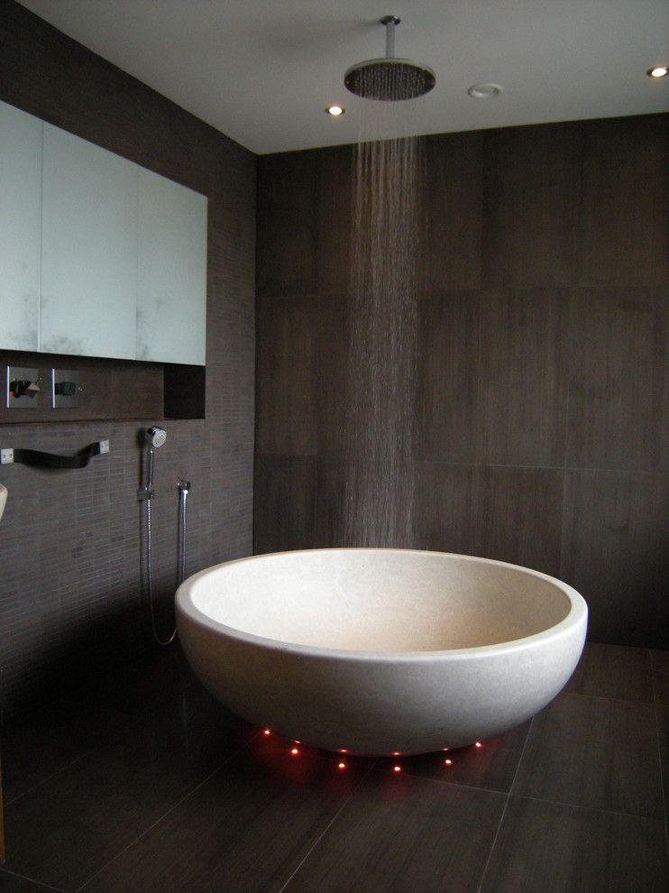 Rain-shower-and-tub.-1 Best +60 Ideas to Enhance Your Bathroom's Luxuriousness