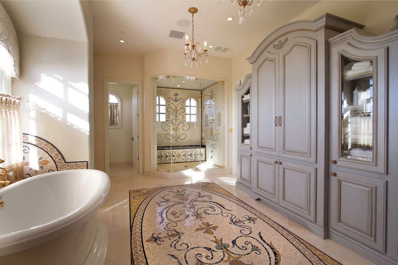 Tile-rug. Best +60 Ideas to Enhance Your Bathroom's Luxuriousness