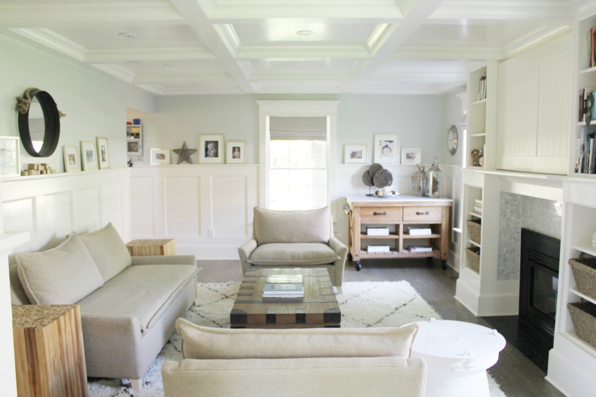 Wainscoting-1 +70 Unique Ceiling Design Ideas for Your Living Room