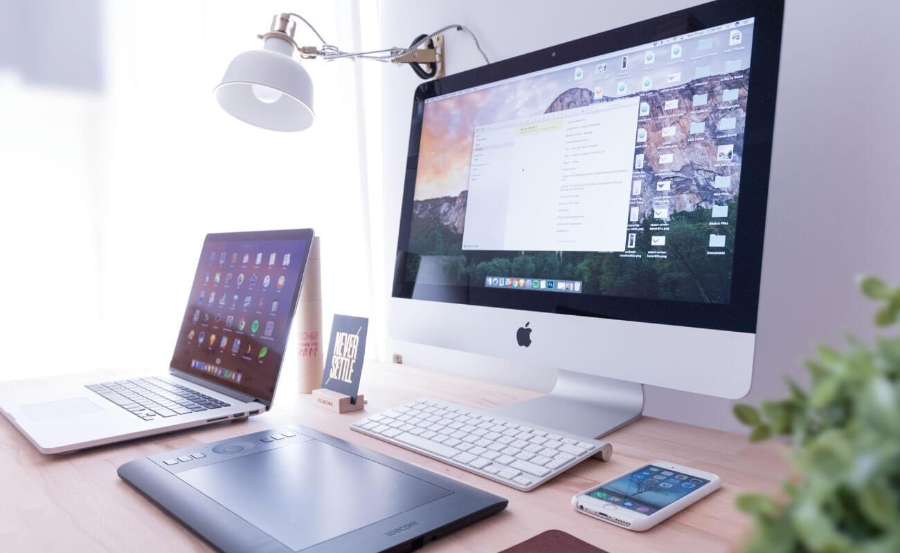advertising-co.-laptop Top 10 Advertising Companies in Abu Dhabi