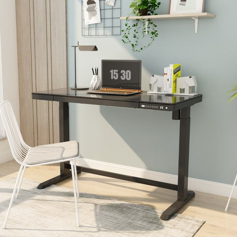 Minimalist-Standing-Desk Electric Standing Desks: Which Type Is the Right One for Your Home Office?