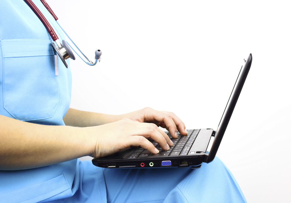 doctors-laptop Top 7 Benefits of Surgery Training Videos for Medical Institutes