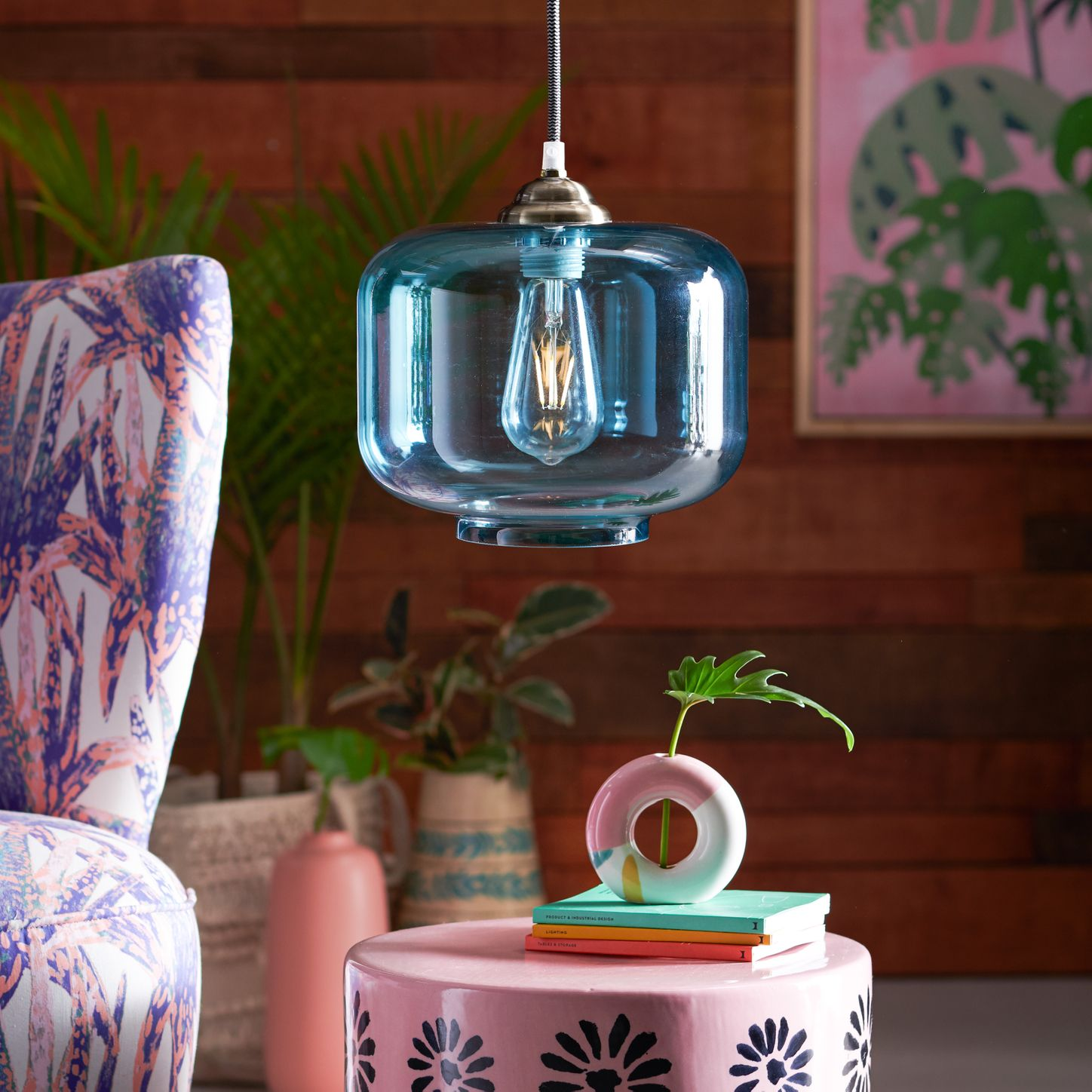 trendy-lamp 5 Critical Tips to Find Best Place to Buy Lighting in Canada
