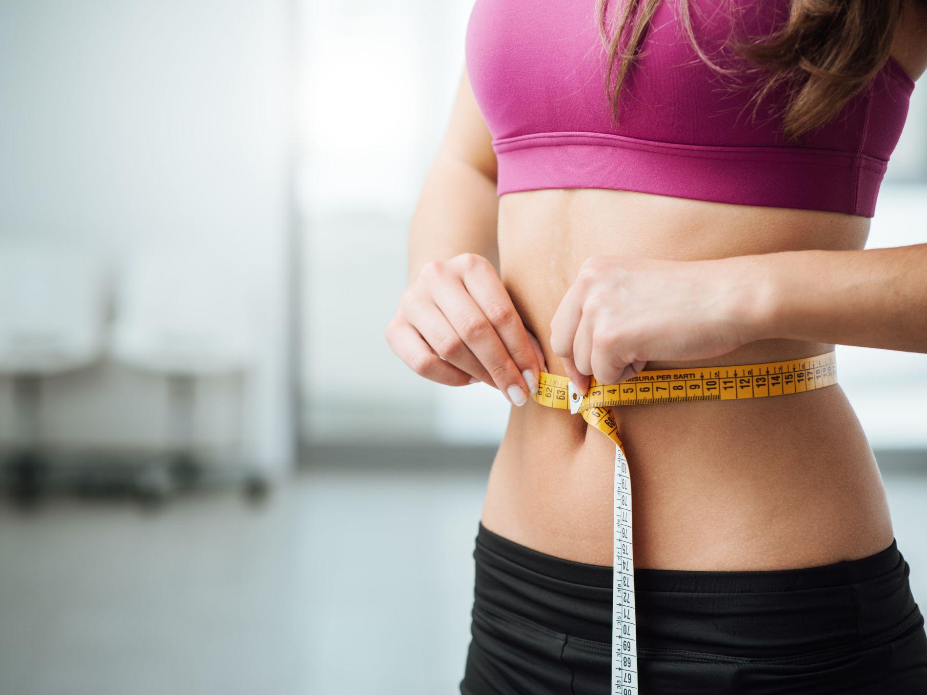 mesuring-weight 10 Benefits of Drinking Loose Leaf Tea