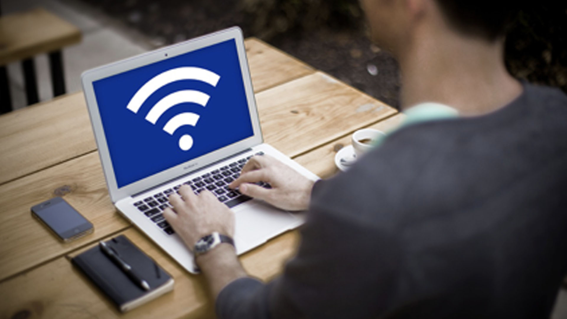 staying-safe-on-public-wifi How to Use Public Wi-Fi Safely