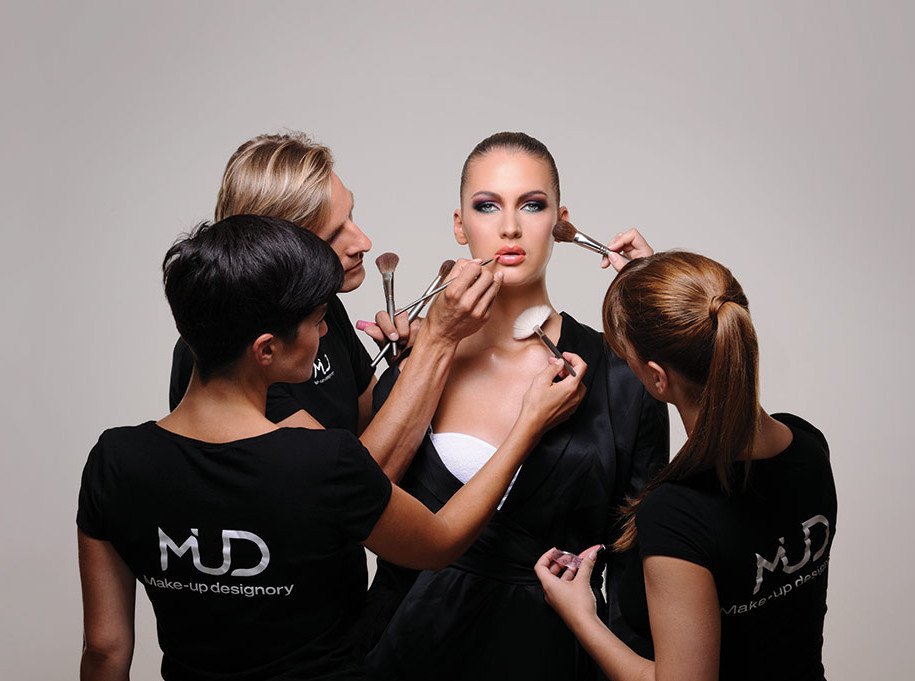 2021-08-16_052254 10 Essential Steps to Become a Professional Makeup Artist this Year
