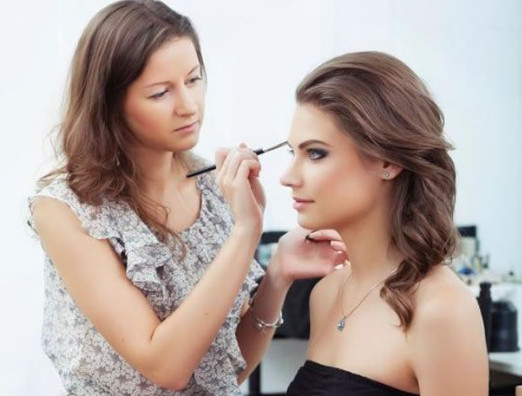 2021-08-17_013431 Top 7 Most Famous Makeup Artists Worldwide That You Should Follow