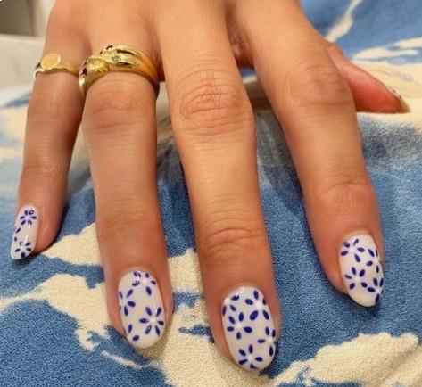 2021-08-23_030556 +45 Glamorous Gel Nail Designs for all Skin Tones