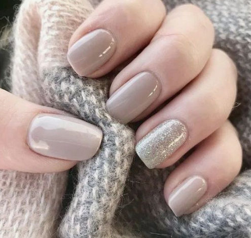 nail ideas for ladies with grey hair