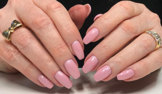 2021-08-23_110040 +27 Fabulous Nail Colors for Grey-Haired Ladies