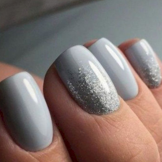 2021-08-23_112413 +27 Fabulous Nail Colors for Grey-Haired Ladies
