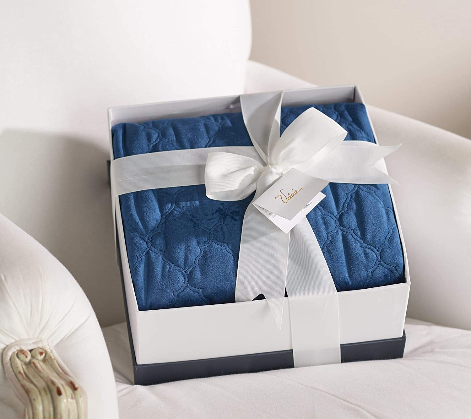 Blanket-gift 25+ Best Brother Gift Ideas to Give on His Birthday 2020/2021
