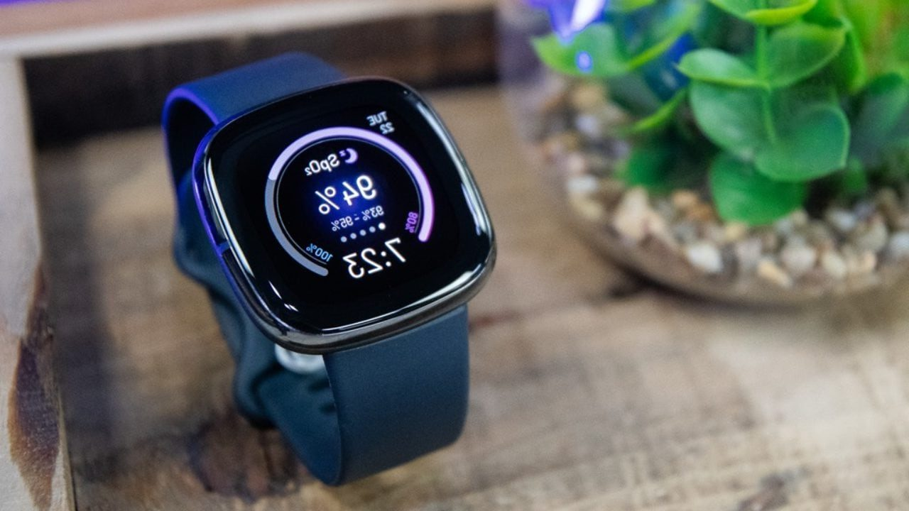 Bluetooth-Smartwatch-e1630377357652 25+ Best Brother Gift Ideas to Give on His Birthday 2020/2021