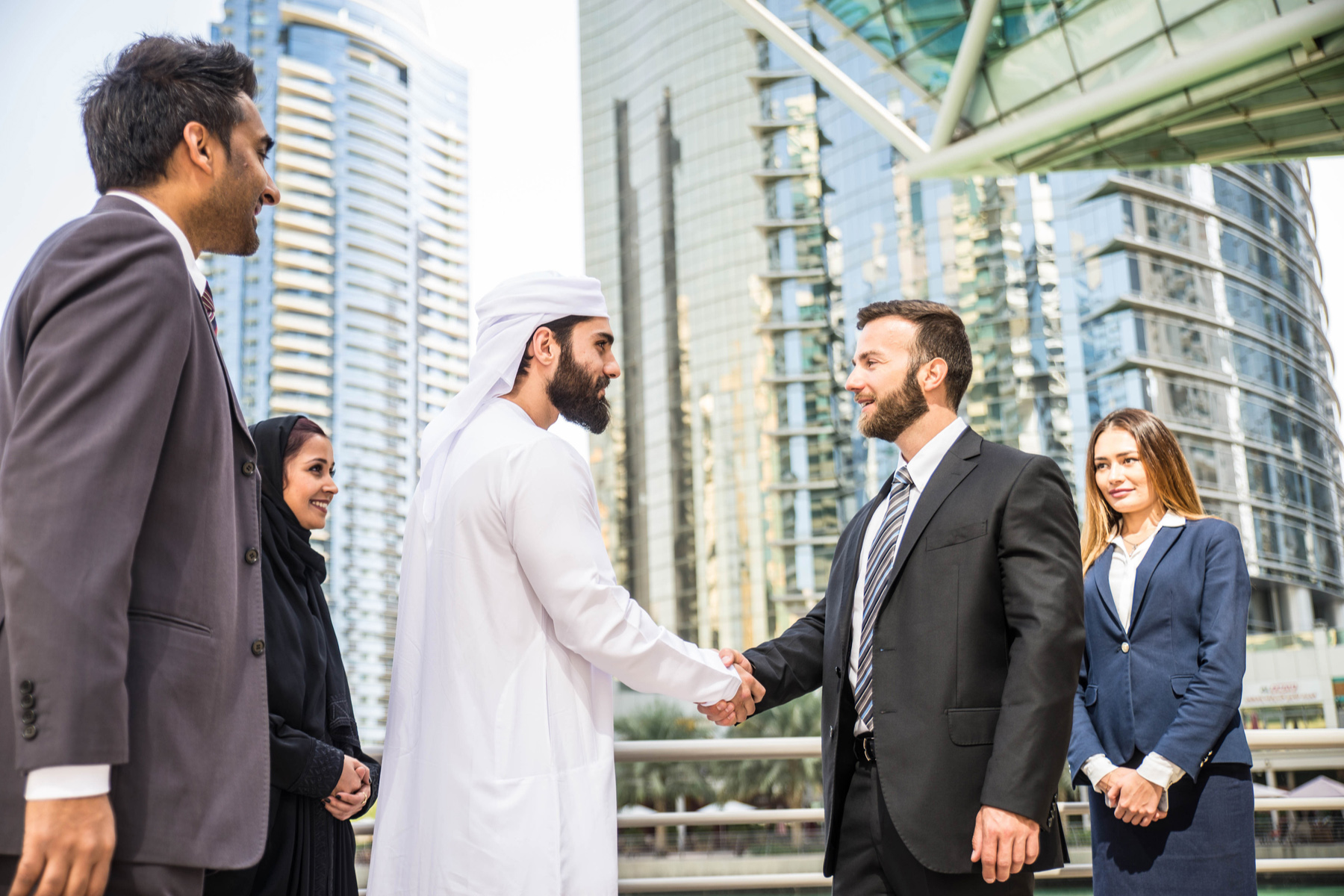 Creating-a-Business-in-the-UAE How to Start Your Company in Dubai and Get Personal Residence