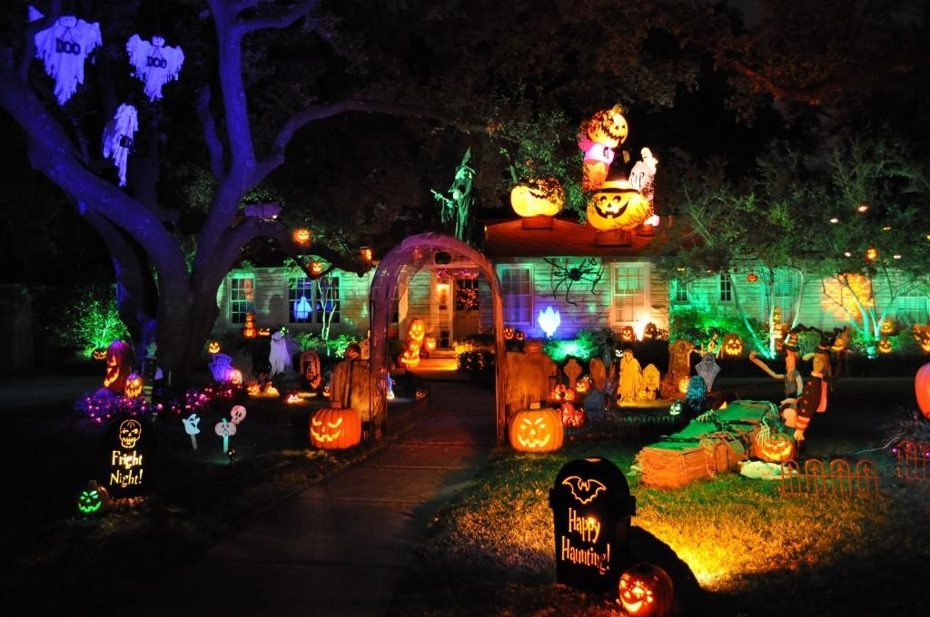 Halloween-Lighting Tips for Making Your Home Stand Out This Halloween