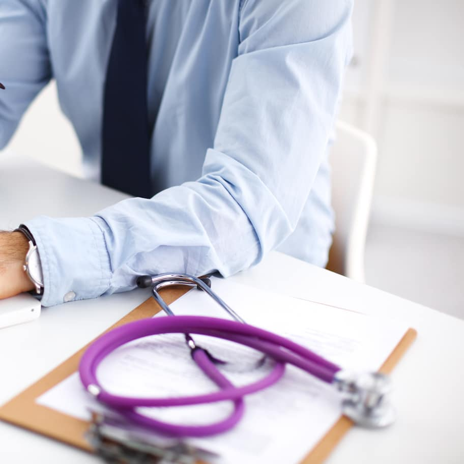 Personal-Injury-Lawyer Factors to Consider When Choosing a Medical Negligence Solicitor