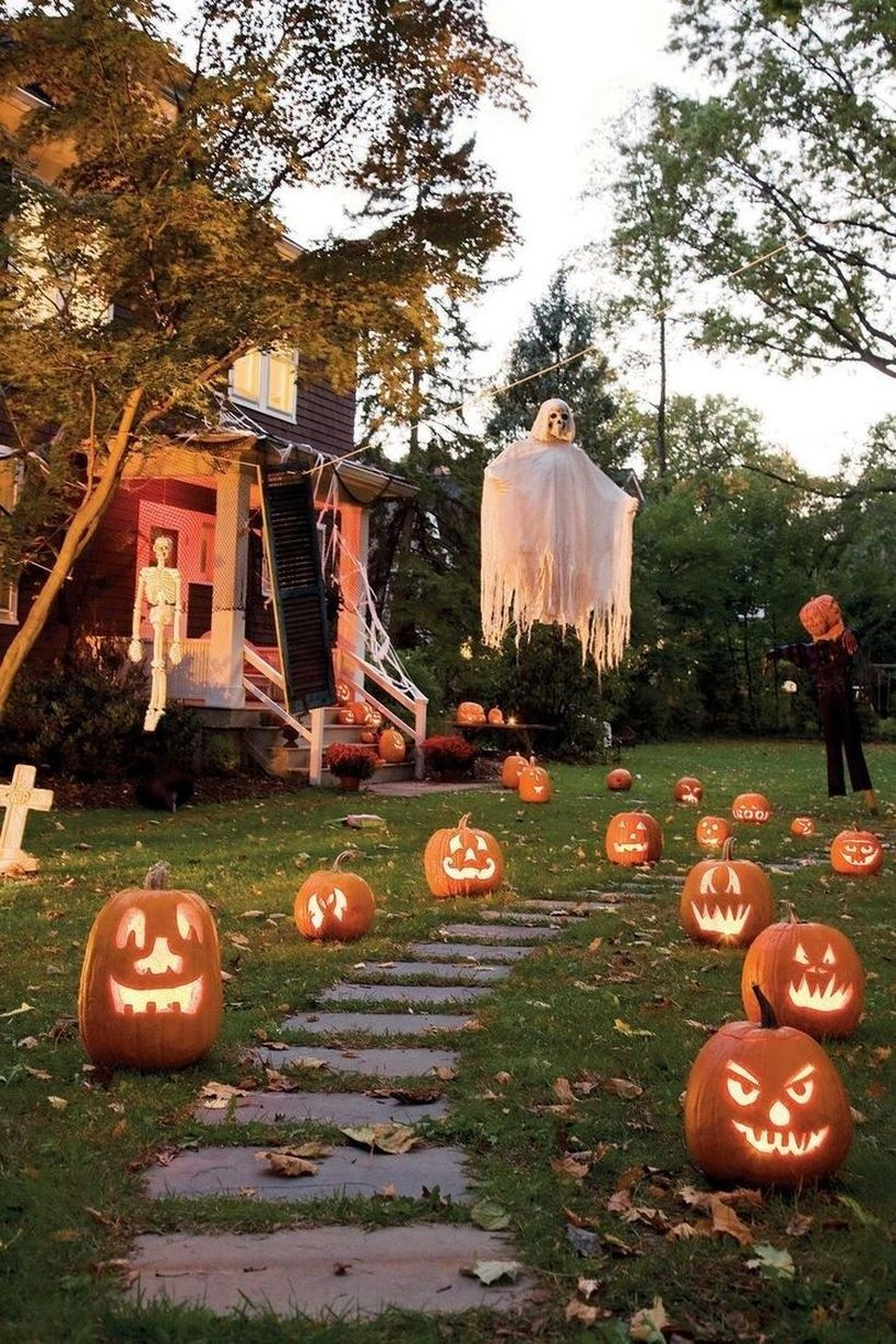 halloween-entrance Tips for Making Your Home Stand Out This Halloween