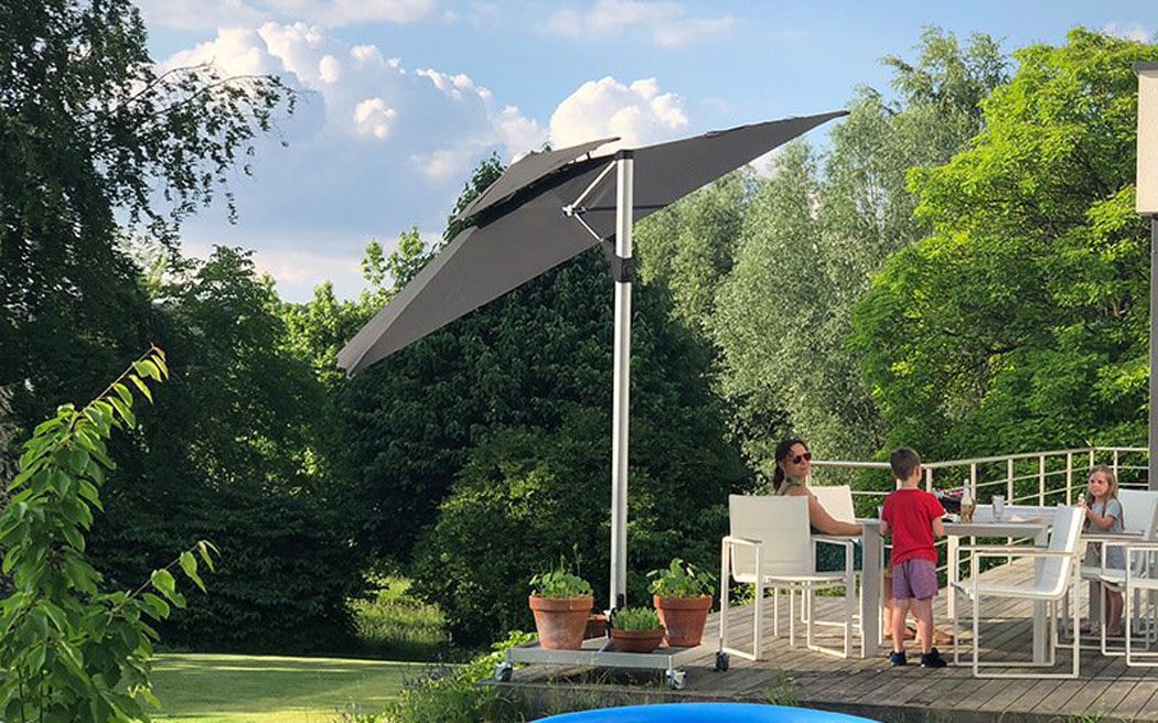 solero-parasol What to Look for When Buying a Parasol for the Garden?